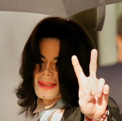 http://www.michaeljacksonhoaxforum.com/forumpics/1d.jpg