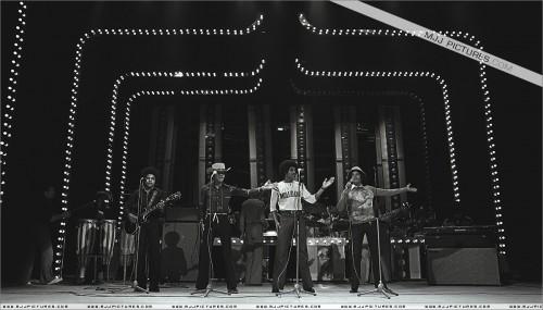 1977-TVShowRehersalsLondon1.jpg
