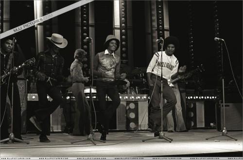 1977-TVShowRehersalsLondon2.jpg
