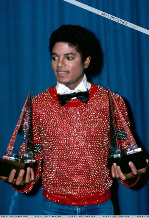 1981-The8thAmericanMusicAwards1.jpg