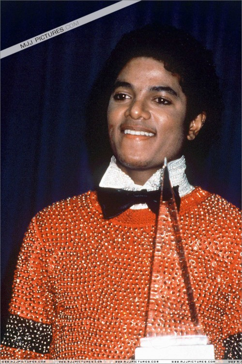 1981-The8thAmericanMusicAwards2.jpg