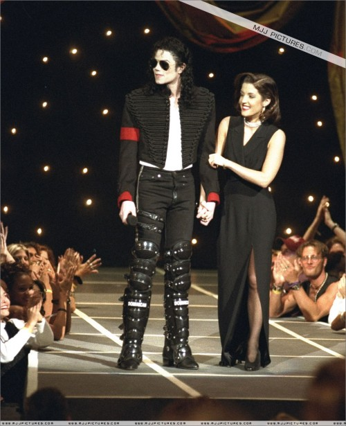 The11thAnnualMTVVideoMusicAwards19944.jpg